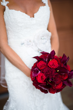 HEPATICA wedding florals (compact bouquet in red w/ calla lily & roses) – photo: MichaelWill Photographers